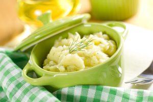 Puree van bloemkool, broccoli en zalm